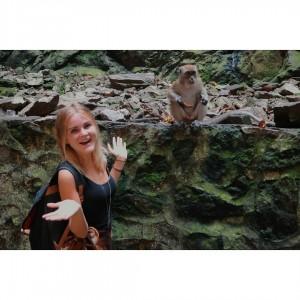 Hi monkey! kualalumpur monkey batucaves maleisie malaysia travel temple reizenhellip