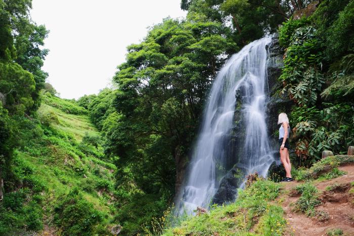 Waterval Ribeira dos Caldeirões waterfall azores azoine são miguel aroundsan