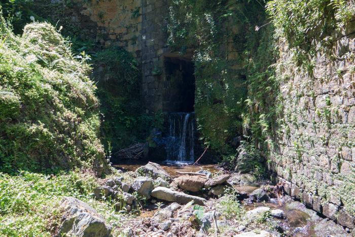Praia dos Moinhos sao miguel azoren azores waterfall waterval