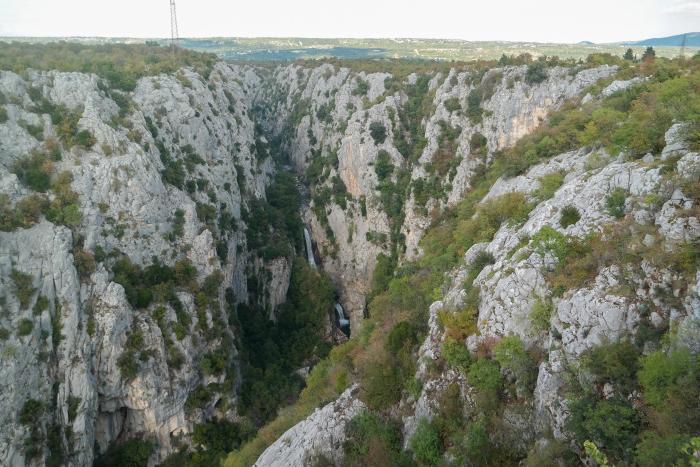 biokovo croatia kroatie zadvarje waterfall