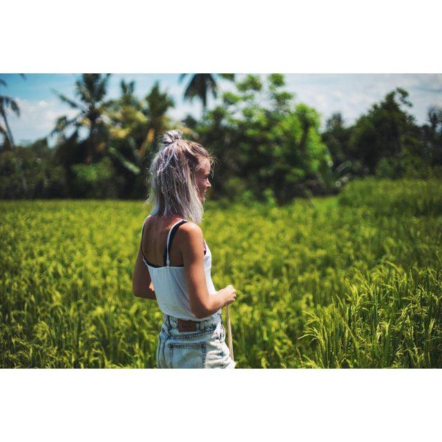 Hiking between the ricefields of Ubud Its amazing! Oooog andhellip