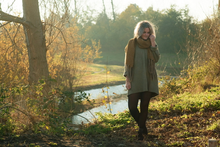 Outfit | Een oversized sweater dress op een mooie herfstdag